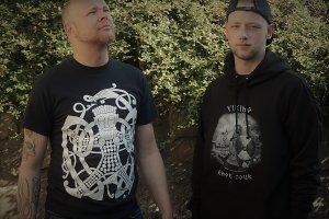 T-Shirt und Hoodies