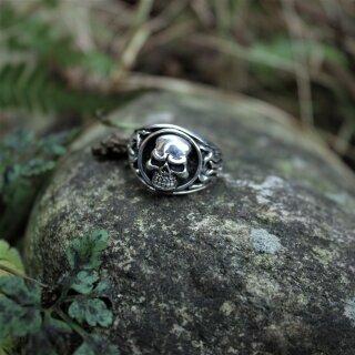 Totenkopf Ring 21,5/68