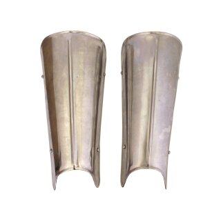 Beinschienen aus Stahl