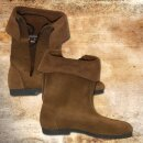 Cuff Boots with rubber soles, Velours